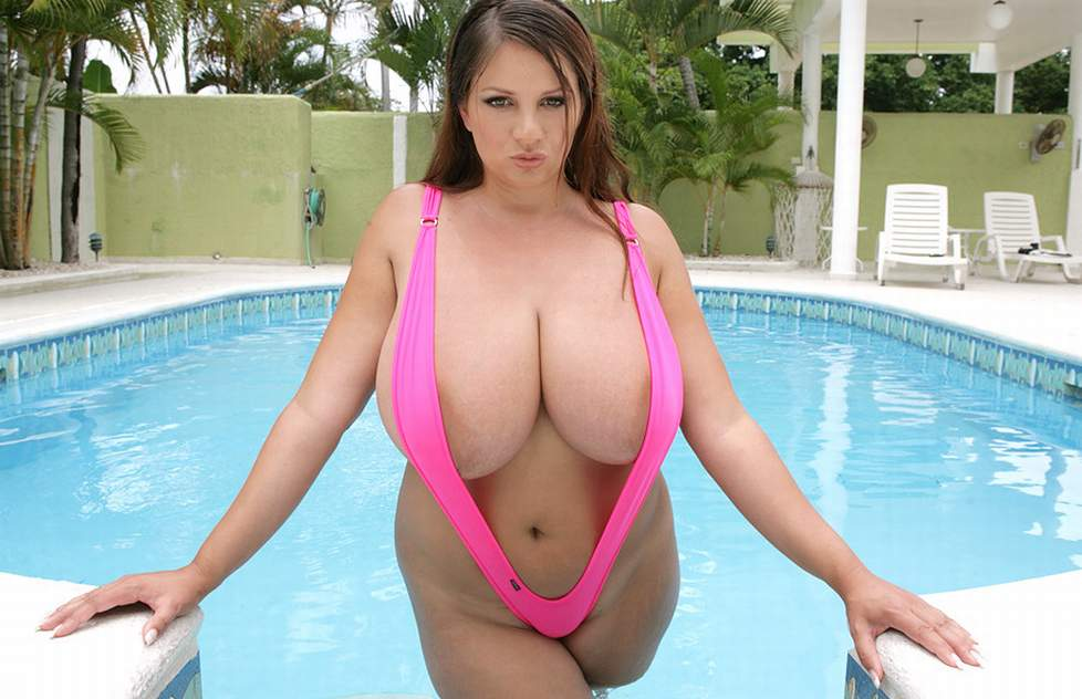 Super huge natural tits