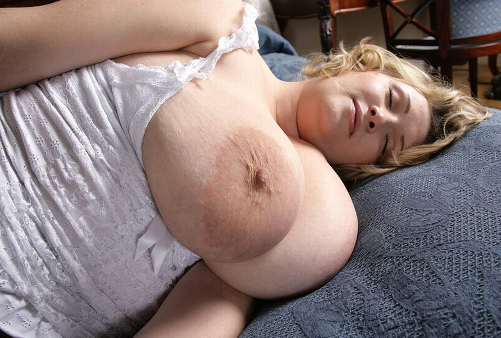 Large sagging natural boobs