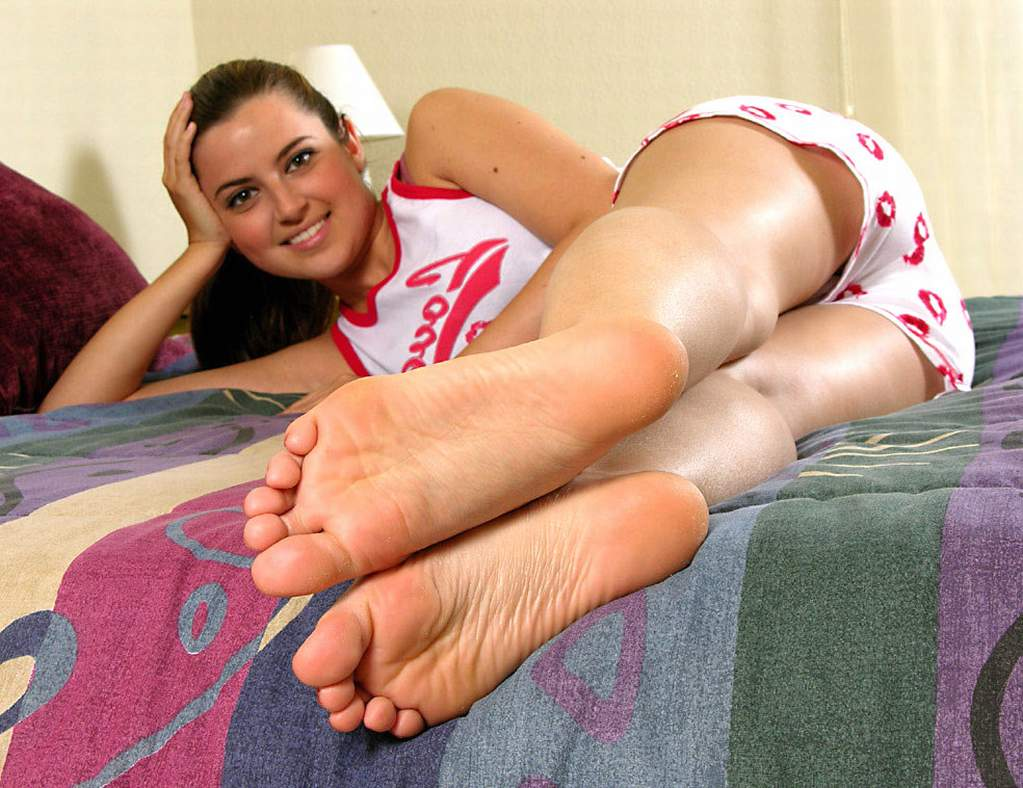 tied up bare feet - tickling feet stocks, toe sucking girls & feet
