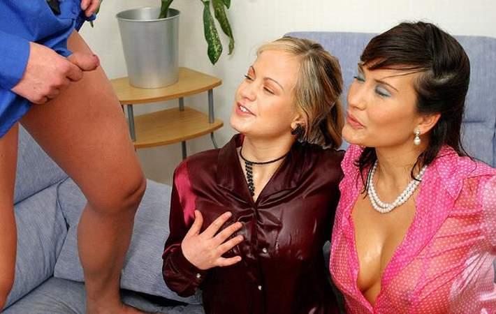 lesbian-pissing-storeis