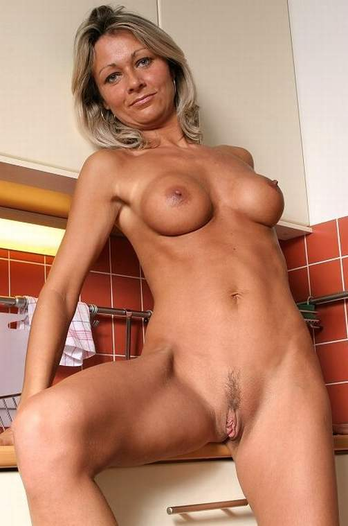 Naked older women free