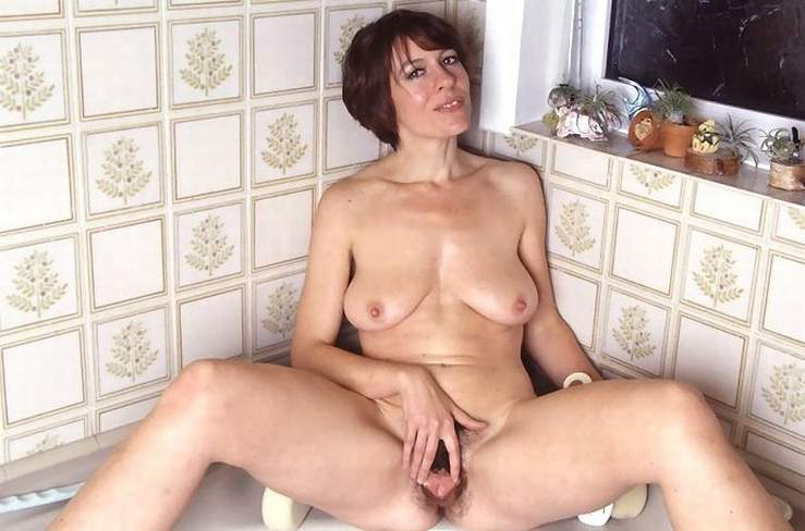 Hot mature women vids