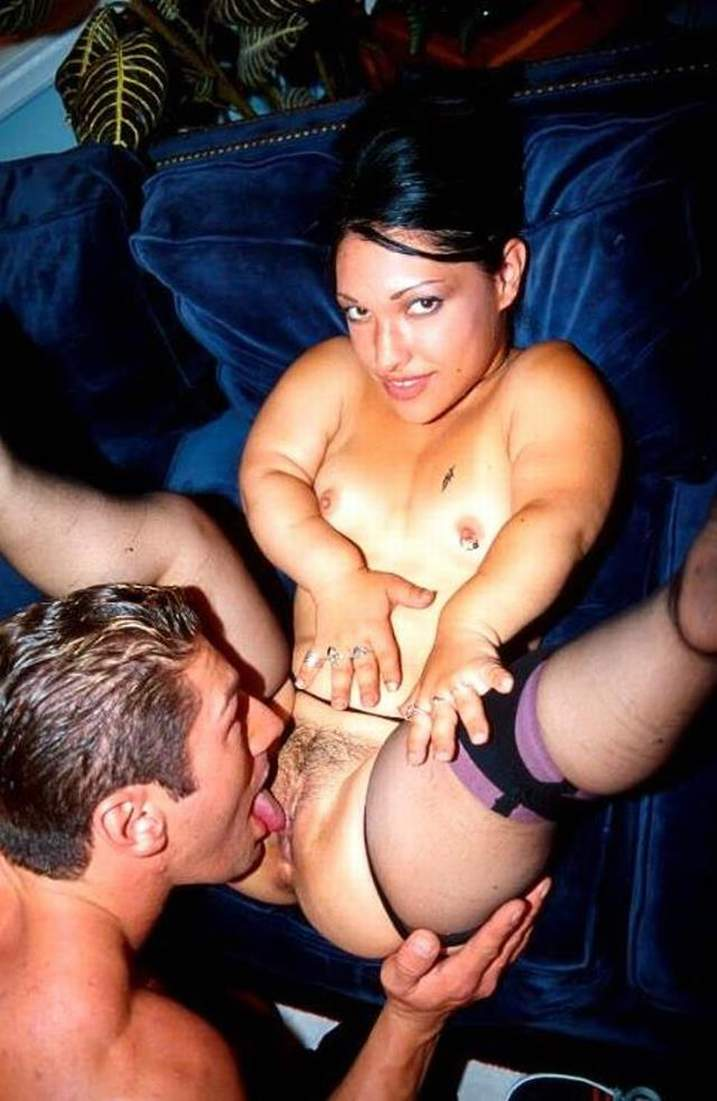 Flexible ladies that lick their own pussy