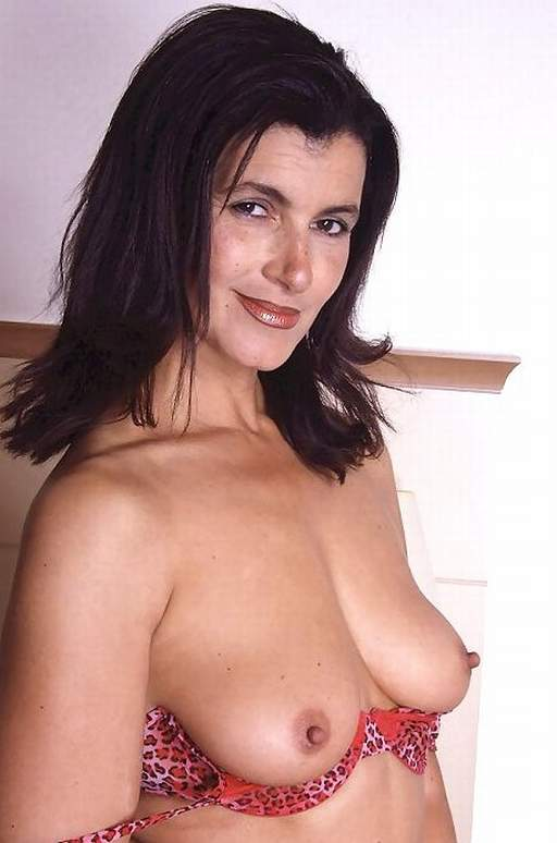 adult nude Mature female
