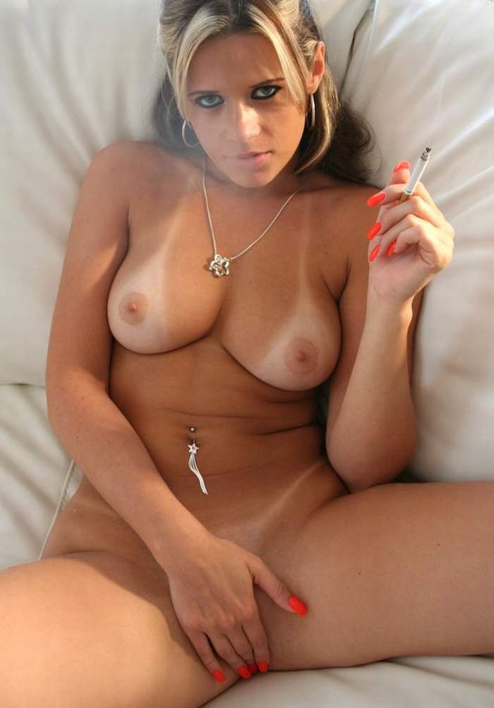 female nude smoking fetish